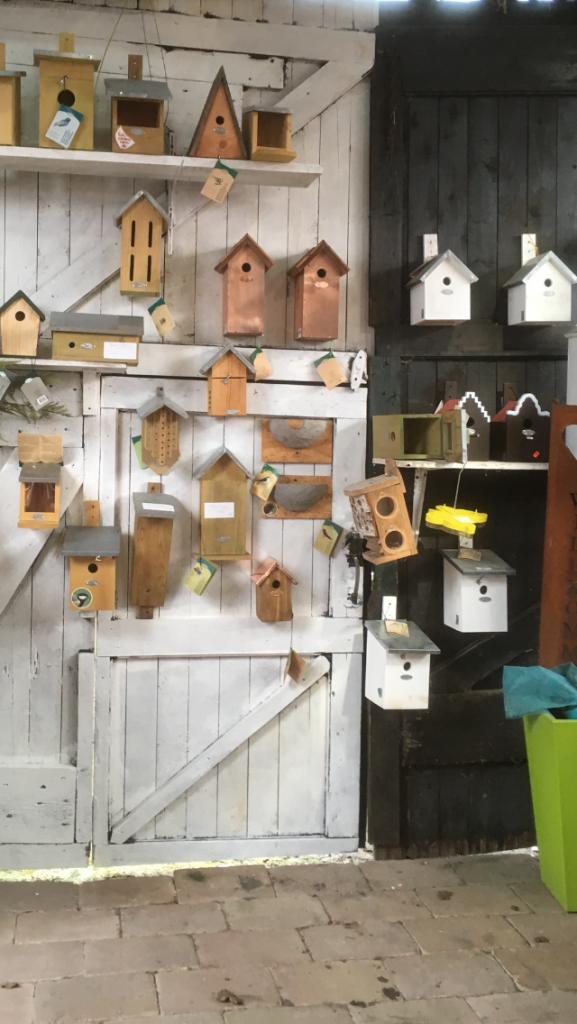 Es gibt viel zu entdecken bei Garten und kunst de wolff zum Beispiel ; Gartenstecker, Gartenspiegel, Deko-Kugeln, Blumentöpfe, Werkzeug, Kränze, Büsten, Säulen, Bewegungsmelder, Kräuterringe, moderne Gartendeko, Gartendeko im vintagelook, Gartenmöbeln, schönes für die Terrasse, wenn sie eine Terrasse gestalten möchten gibt es passende Terrassendeko, Gartenwerkstätten, Gartendekorationen für den Landhausgarten, u.v.m Ausflugsziel Nordseeküste #Ostfriesland #offener Gartentür #ihr Reiseführer für Garten neu anlegen Gartenfiguren und Kunst #sehenswürdigkeiten#freizeitaktivitäten#Touristenziele#urlaub mit hund nordsee ferienhaus#garten und Kunst#UG# de Wolff#Fahrradurlaub #Gartendeko#abindenurlaub#